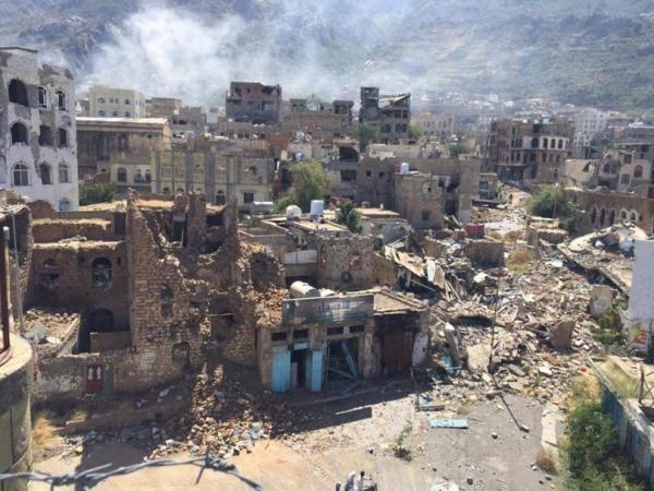قصف عشوائي حوثي يستهدف الأحياء السكنية شرقي تعز