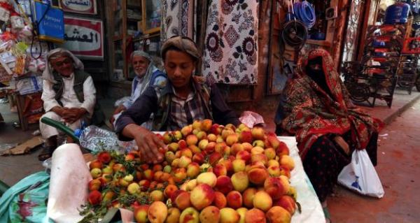 تعسفات الحوثيين تطال البساطين والباعة الجائلين بصنعاء