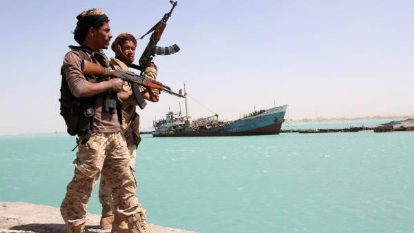 هجمات الحوثيين الأخيرة على ناقلة نفط تؤكد حتمية تحرير سواحل البحر الأحمر كاملة