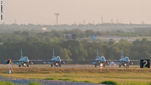 السفارة الامريكية بالقاهرة: واشنطن تسلم طائرات إف-16 لمصر خلال يومين