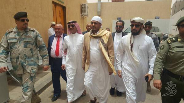 وزير الأوقاف يزور منفذ الوديعة لترتيب تفويج حجاج اليمن