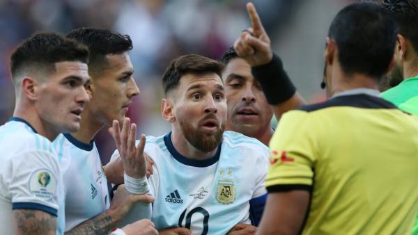 إيقاف ميسي 3 أشهر وغرامة مالية بعد تصريحاته ضد اتحاد &#34أمريكا الجنوبية&#34