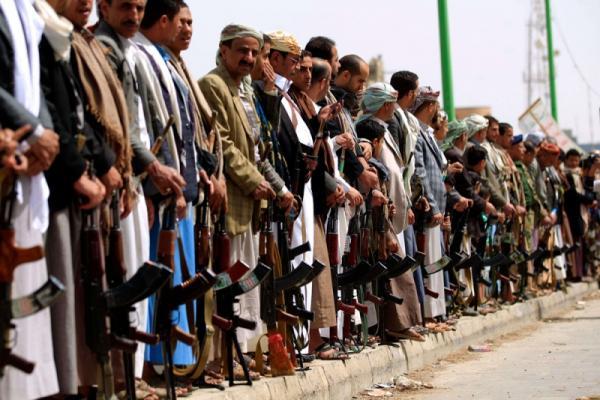 مساعٍ حوثية مكثفة لدى شيوخ القبائل بحثاً عن مجندين مقابل إغرائهم بالمناصب والأموال