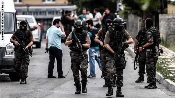 إسطنبول: انتحاريتان تابعتان لمجموعة يسارية متشددة وراء الهجوم على القنصلية الأمريكية