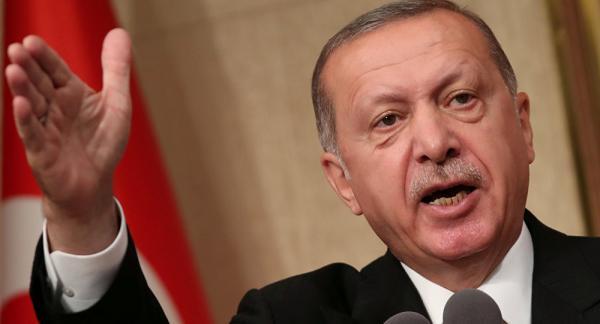 أردوغان يدعو الأتراك إلى تحويل عملاتهم الأجنبية لدعم الليرة التركية المنهارة