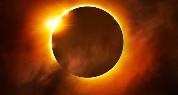 فلكي يمني يتوقع ظاهرة كونية واسعة يوم 21 أغسطس