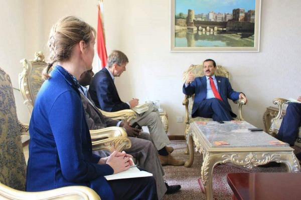 وزير الخارجية يحمل التحالف السعودي مسؤولية الكارثة الإنسانية في اليمن