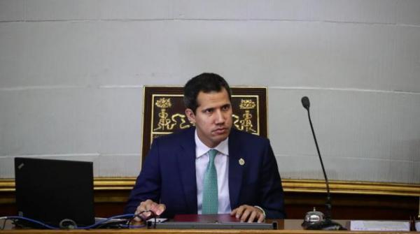 زعيم المعارضة الفنزويلية: الحكومة تعتزم حل البرلمان