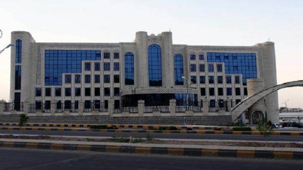 تقرير : خصخصة شركة النفط واستبدالها بتجار موالون للجماعة الحوثية للتلاعب بسوق المشتقات النفطية