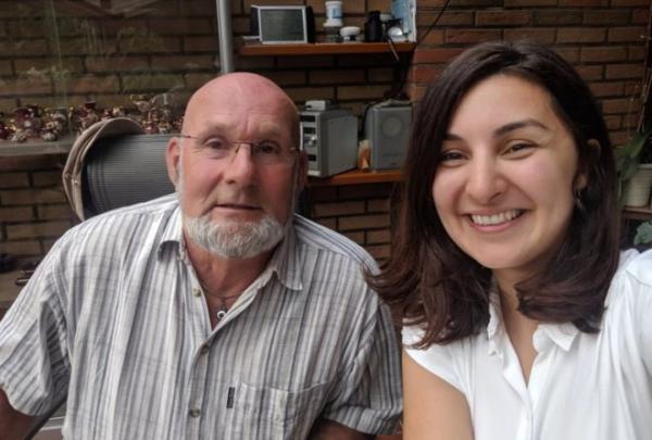 أهداها دراجة عندما كانت في الخامسة فبحثت عنه 24 سنة والتقته لتشكره