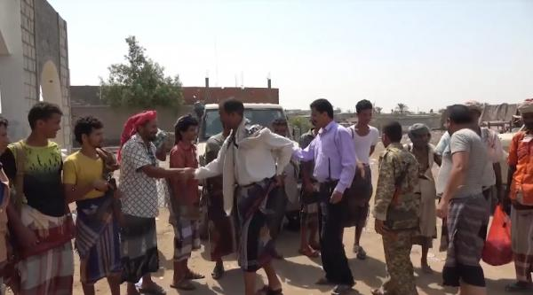 فيديو- القوات المشتركة تواصل تبادل الزيارات العيدية في الحديدة