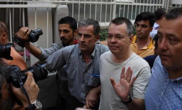 محكمة تركية ترفض التماسا للإفراج عن القس برانسون