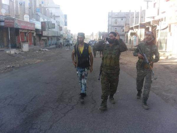الشرطة العسكرية تفكك عبوتين ناسفتين وسط مدينة قعطبة بالضالع