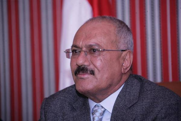 صالح: تغيير الحكومة مطلب شعبي.. ويُحذِّر من «المكابرة»
