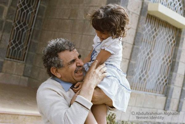في ذكراه الـ17.. عبدالله البردوني في صور، من ألبوم عبدالرحمن الغابري