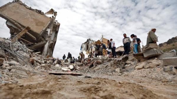 صحيفة هارتس: اليمن لا يعاني بل يموت