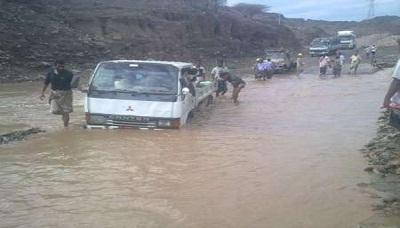 وفاة 6 أشخاص جرفتهم السيول في لحج