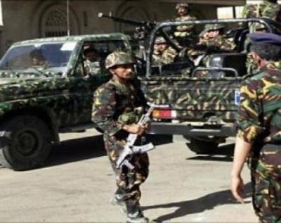 اصابة جنديين بانفجار قنبلة استهدف البنك المركزي باب