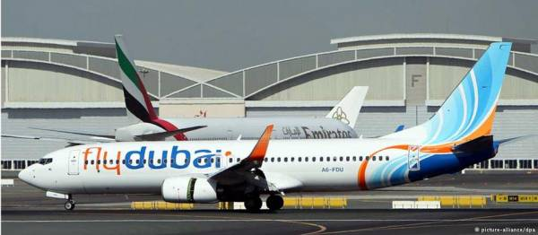 طائرة تقل أمريكيين تصل دبي بعد تحويل مسارها إلى إيران
