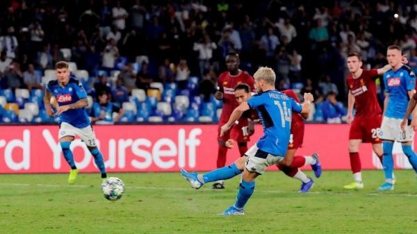 """أبطال أوروبا: ليفربول يسقط مجددا في """"سان باولو"""" وتعادل سلبي لبرشلونة ودورتموند"""