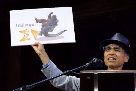 """منح جوائز نوبل المقلدة لأبحاث """"مضحكة"""" عن قشر الموز وشرائح لحم الخنزير"""