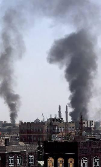 قاعدة بيانات: كيف يستجيب التحالف السعودي للنكسات العسكرية بتصعيد القصف الجوي؟