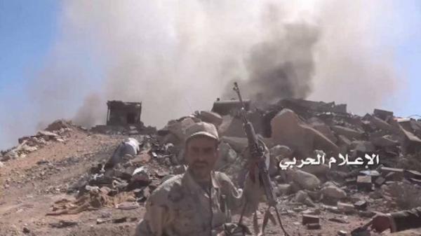 الجيش يهاجم مواقع في نجران وعسير وسط غارات مكثفة