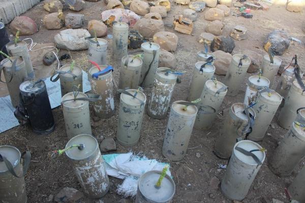 القوات الحكومية تنزع 500 لغم زرعتها مليشيا الحوثي بصعدة