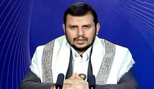 زعيم الحوثيين يشيد بدور الجيش خلال الأحداث التي شهدتها صنعاء