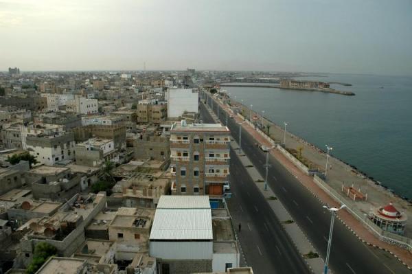 العقيد أبو حاتم لـ(خبر): للحديدة أهمية جيوعسكرية وتحريرها سيقطع يد إيران والدعم القطري