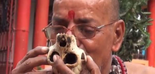 من الهند... آكلو لحوم البشر
