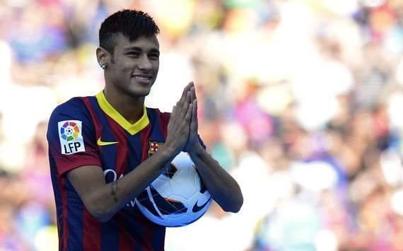 في أول مباراة له كلاعب أساسي.. الإصابة تبعد نيمار عن برشلونة