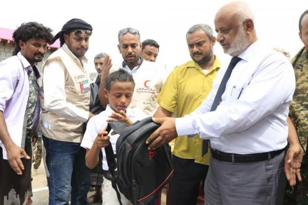 محافظ الحديدة يفتتح مدرسة في الدريهمي بتمويل إماراتي