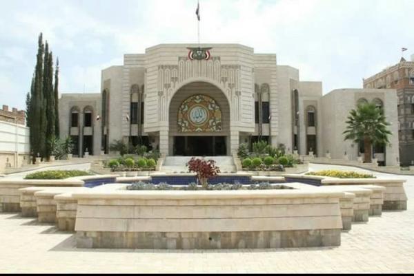 نائب رئيس البرلمان لـ&#34خبر&#34: الحكومة التزمت بدفع المرتبات