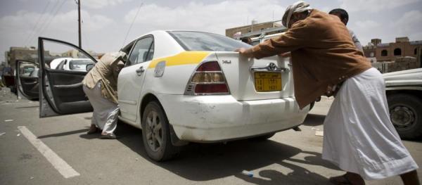 الحوثيون بصدد إقرار &#34جرعة&#34 سعرية &#34جديدة&#34 في الوقود