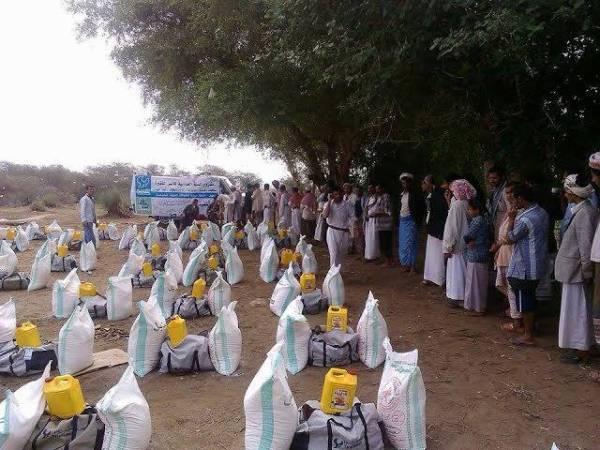 اختتام مشروع توزيع أربعمائة سلة غذائية لفقراء صعدة