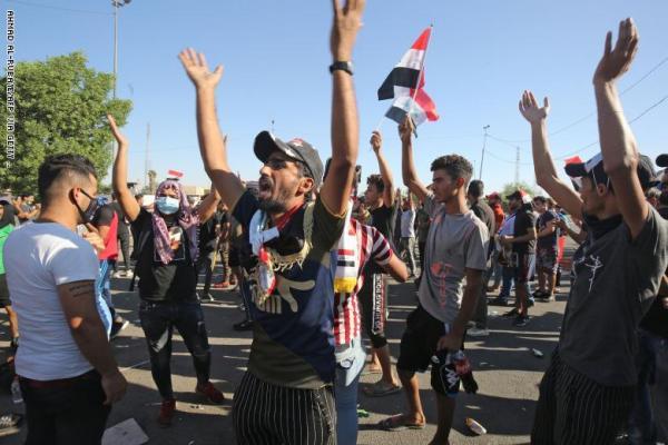 الانتفاضة في العراق واهتزاز أركان نظام خامنئي في إيران