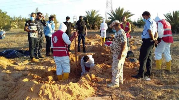 العثور على مقبرة جماعية تضم جثثا متحللة في سرت الليبية