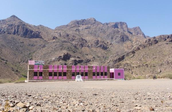 هلال الإمارات يفتتح مدرستين في الضالع