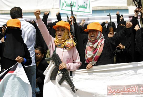 مليشيا الحوثي تجبر القاصرات من عائلات القتلى على الزواج والتجنيد في خلايا «الزينبيات»