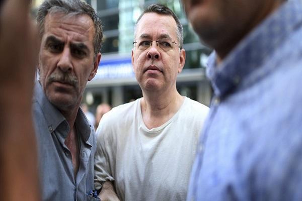 القضاء التركي يطلق سراح القس الأمريكي برانسون وترامب يأمل بعودته &#34سريعا&#34