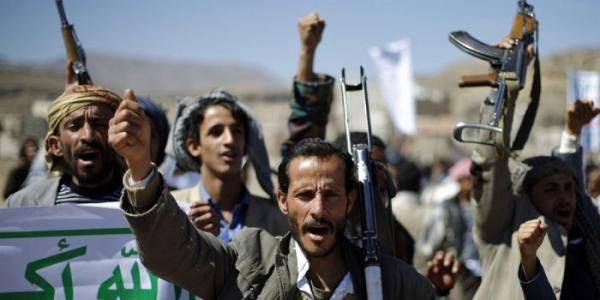 الحوثيون يرقمون منازل النازحين بالحديدة تمهيداً لنهبها
