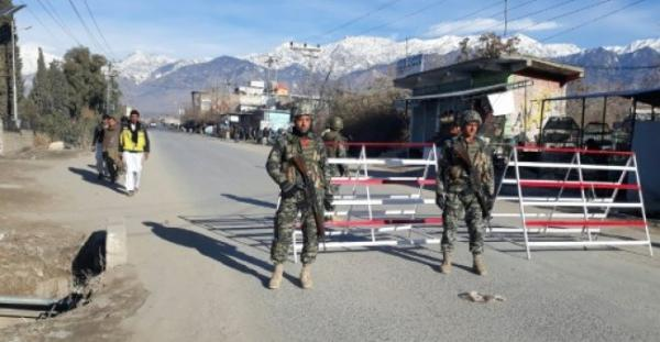 الجيش الباكستاني يحرر كنديا وزوجته الامريكية وابناءهما كانوا رهائن لدى طالبان