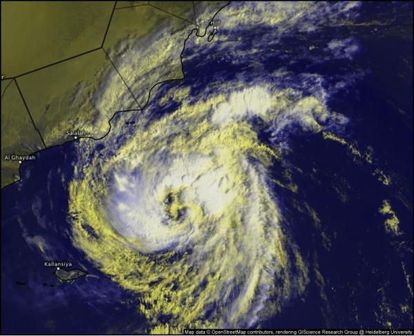 وكالات الأمم المتحدة تحذر من تداعيات كارثية للإعصار الاستوائي لبان في اليمن