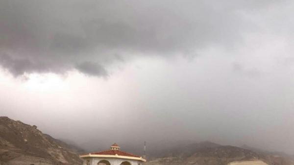 محافظ سقطرى يقدم لرئيس الوزراء شرحاً عن آخر مستجدات إعصار &#34لُبان&#34