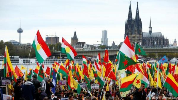 آلاف المتظاهرين في ألمانيا وفرنسا ينددون بالهجوم التركي