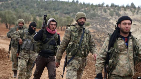 """سوريا: مسلحون موالون لتركيا """"يعدمون"""" تسعة مدنيين في فيديو مروع"""