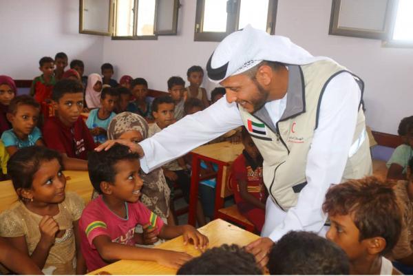 الهلال الإماراتي يضع حلولاً مؤقتة لإنقاذ العام الدراسي الجديد في مناطق التماس بالساحل الغربي