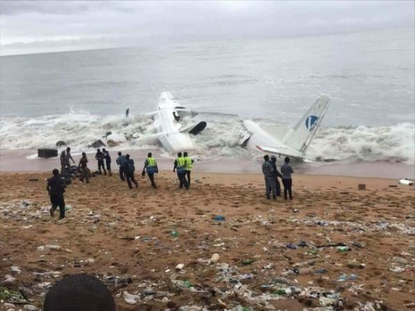 أربعة قتلى في حادث تحطم طائرة إثر إقلاعها من ساحل العاج