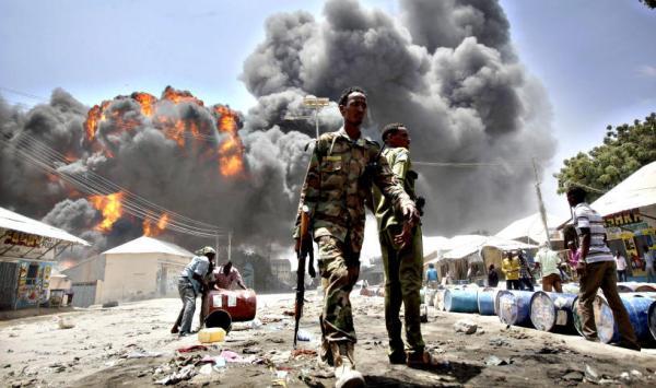 20 قتيلا على الاقل في تفجير عربة مفخخة في مقديشو (الشرطة)